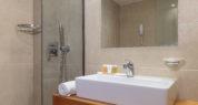 Deluxe bath 2